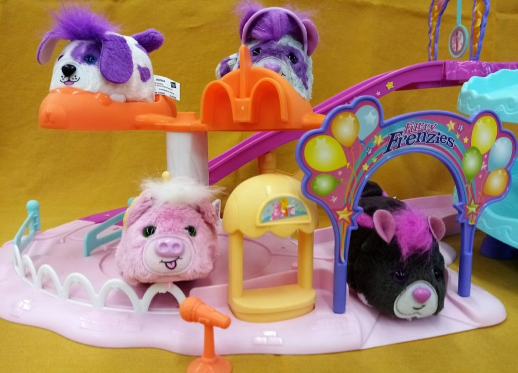 Parc d'attraction furry frenzy – HASBRO